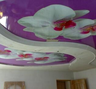 Монтаж натяжного потолка в квартире